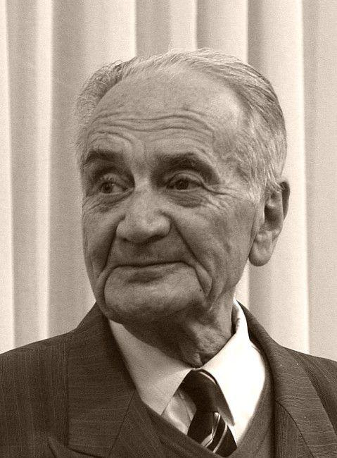 Анато́лий Гео́ргиевич Але́ксин (наст. фамилия – Гоберман)